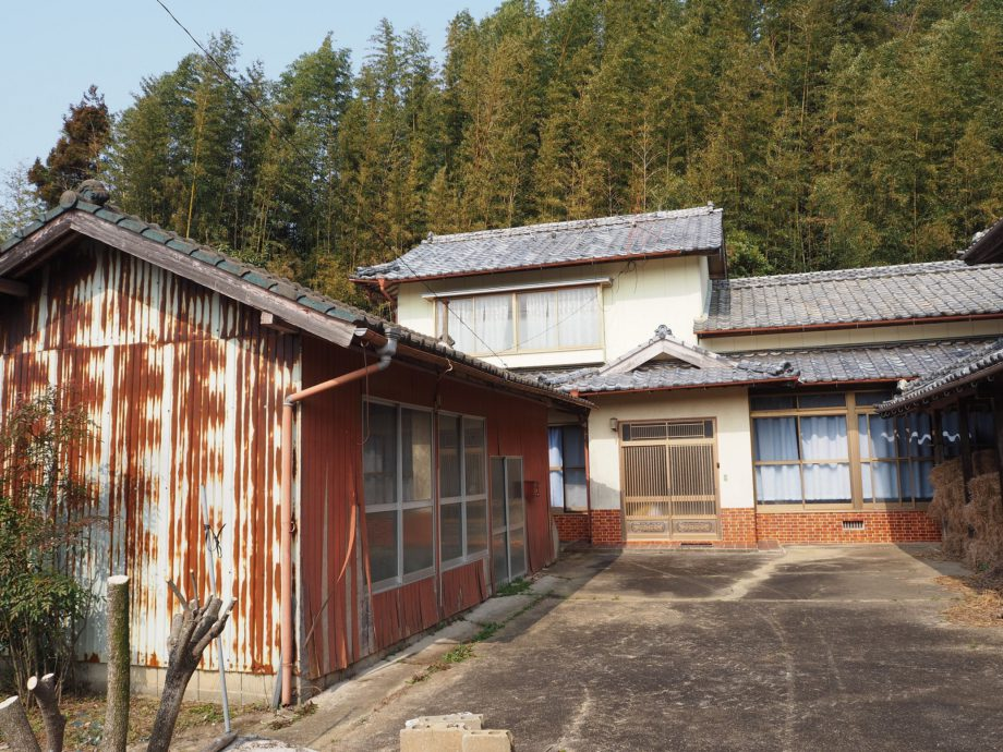 7:壱岐のど真ん中、田園を抜けた先にある家