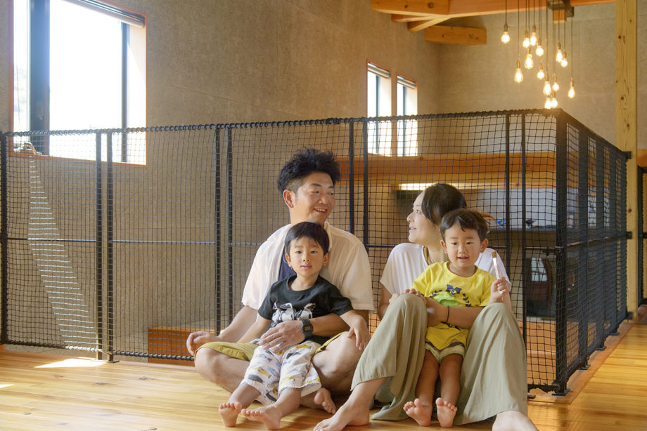 写真:万谷知恵美[さん]・雄希[さんご家族]の生活イメージ写真